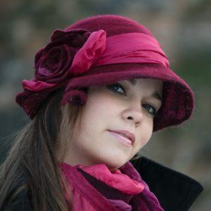Bordó női kézműves gyapjú kalap