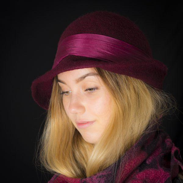Bordó női kézműves gyapjú kalap 25.000 Ft