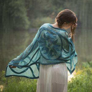 Türkíz nemezműves áttetsző női selyem sál